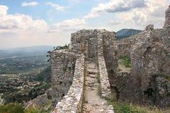 Paredes arruinadas del Mystra antiguo en el Peloponeso imagenes de archivo