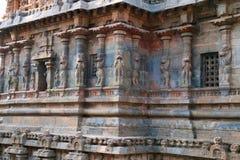 Paredes con los pilares de Yeli, capilla de Deivanayaki Amman, adyacente al templo de Airavatesvara, Darasuram, Tamil Nadu Imagenes de archivo