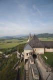 Paredes da defesa do castelo Hochosterwitz fotos de stock
