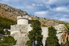 Paredes da torre e da cidade de Minceta de Dubrovnik Foto de Stock Royalty Free