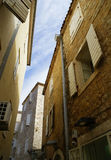 paredes das casas com janelas imagens de stock royalty free