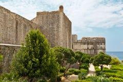 Paredes de la ciudad de Dubrovnik Imagen de archivo libre de regalías