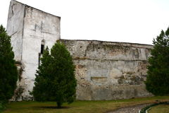 Paredes de la iglesia medieval fortificada Ghimbav, Transilvania Imagenes de archivo