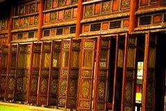 Paredes de madera del palacio chino Imágenes de archivo libres de regalías
