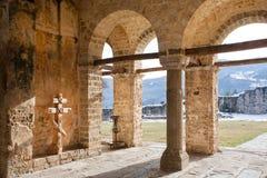 Paredes de piedra del monasterio Fotos de archivo libres de regalías