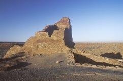 Paredes de tijolo de Adobe, cerca do ANÚNCIO 1100, ruínas indianas do tribo de Kayenta Anasazi, AZ do povoado indígeno da citadel imagem de stock royalty free