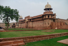 Paredes del fuerte rojo de Agra, la India fotos de archivo