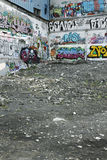 Paredes dos grafittis fotografia de stock royalty free