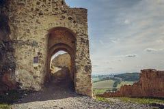 Paredes fortificadas ciudadela de Rupea Imagen de archivo libre de regalías