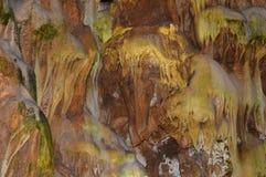 Paredes interiores da caverna imagem de stock royalty free