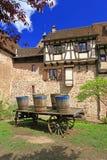 Paredes medievales de la ciudad de Riquewihr, Francia Fotos de archivo libres de regalías
