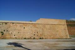 Paredes venecianas viejas de la ciudad de Chania en Creta, Grecia, Europa Fotografía de archivo libre de regalías