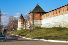 Paredes y torres del Zaraisk Kremlin Imágenes de archivo libres de regalías