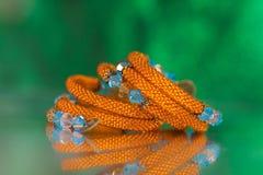 Parels, beadworks op gekleurd, toebehoren Royalty-vrije Stock Foto