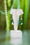 Parels, beadworks op gekleurd, toebehoren Stock Fotografie