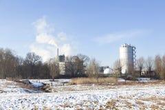 Parenco фабрики бумажной фабрики около Renkum в Нидерланд на выигрыше Стоковые Изображения RF