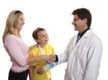 Parent remerciant le docteur image libre de droits