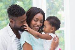 Parents heureux avec le bébé image libre de droits