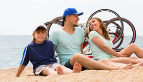 Parents with kids at seaside Royalty Free Stock Photos