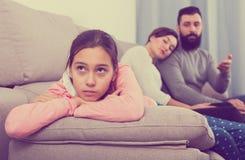 Parents a la hija que da una conferencia Fotografía de archivo libre de regalías