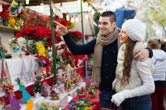 Parents  at  X-mas market Royalty Free Stock Photography