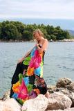 pareo barwiona ubierająca kobieta ciężarna uśmiechnięta Obrazy Stock