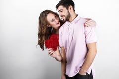 Pares à moda felizes no amor Imagem de Stock Royalty Free