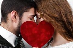 Pares à moda felizes no amor Fotos de Stock Royalty Free