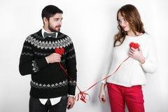Pares à moda felizes no amor Foto de Stock