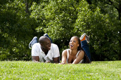 Pares africanos felizes Fotografia de Stock