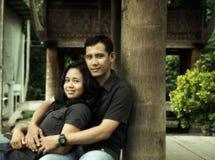Pares asiáticos do sudeste ao ar livre Fotografia de Stock