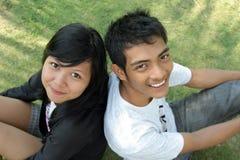 Pares asiáticos jovenes Fotos de archivo libres de regalías