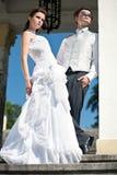 Pares atrativos do casamento fotografia de stock