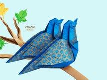 Pares azuis dos pássaros do origâmi Fotos de Stock