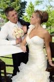 Pares cariñosos el boda-día Fotos de archivo libres de regalías