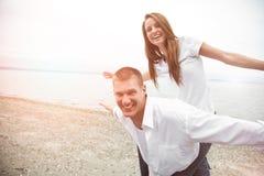 Pares caucasianos felizes Fotos de Stock