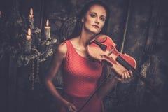 Pares com curva de violino foto de stock