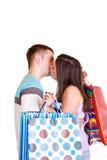 Pares con besarse de los bolsos imágenes de archivo libres de regalías