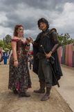 Pares con los trajes medievales Imagen de archivo