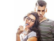 Pares consideravelmente adolescentes dos jovens, indivíduo do moderno com seu hap da amiga Imagem de Stock Royalty Free