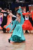 Pares da dança de salão de baile, dançando na competição Fotos de Stock