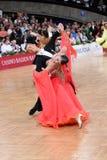 Pares da dança de salão de baile, dançando na competição Imagens de Stock