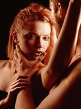 Pares da paixão paixão de pares 'sexy' com cara dourada foto de stock royalty free