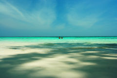 Pares da praia, curso do verão em Tailândia Foto de Stock