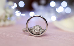 Pares das alianças de casamento de prata Imagens de Stock Royalty Free