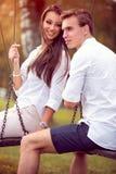 Pares de Autumn Dating fotos de archivo libres de regalías