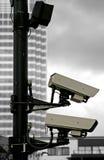 Pares de câmaras de segurança fotos de stock