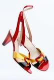 Pares de calçados brilhantes da fêmea do verão Imagem de Stock