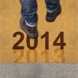Pares de caminar de los zapatos Foto de archivo