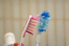Pares de escovas de dentes usadas Fotografia de Stock Royalty Free